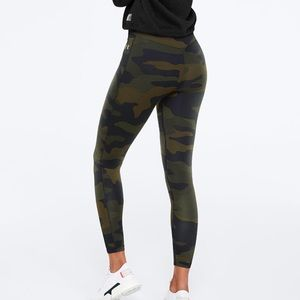 Victoria's Secret PINK Ultimate V Leggings CAMO